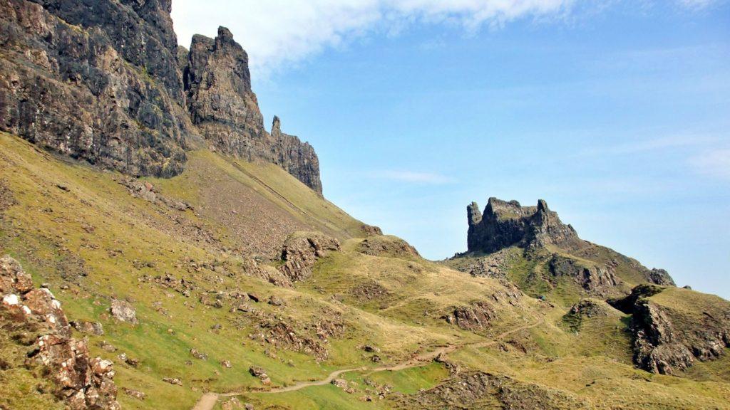 Il Quiraing, un'altra formazione simile all'Old Man of Storr, più a nord nel capo di Trotternish